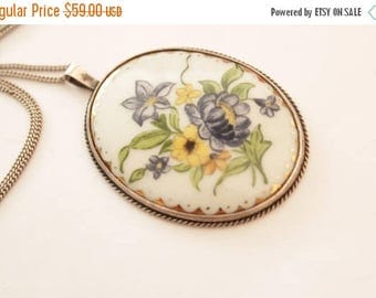 SUMMER SALE 1950's Mid Century Painted Porcelain Necklace