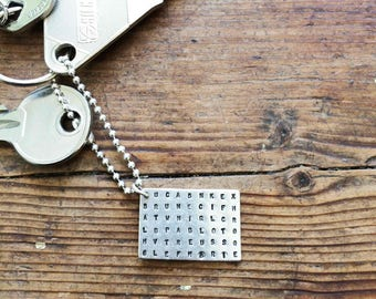 Key ring hidden, hammered words, present for man to personalize, in solid silver 925