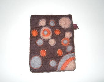 Hand-felted mobile phone case for I-Phone 6 + from 100% sheep wool