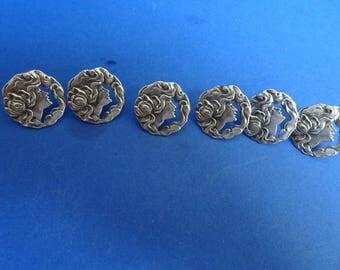 Cased set of 6 Art Nouveau Silver Buttons.  Birmingham 1903.