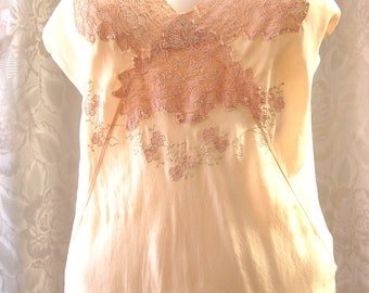 Vintage Lingerie 1930s Very Fine, Full length Bias cut Silk Crepe Peach colored with Lots of Lace, Very Good Condition No Label  LG01