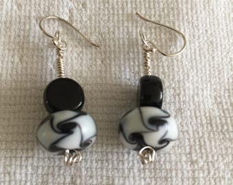 Elegant and cute drop earrings, fine silver, black and white glass beads