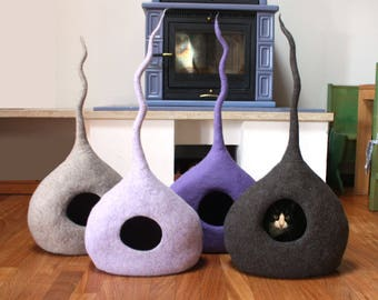 "Cat Cave ""Drop"", Cat Bed, Cat House, Pet Furniture. Hand-Felted, 100% Wool - MADE IN ITALY - Ready to Ship"