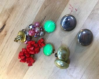 Lot of vintage costume jewelry earrings clip on screw back