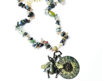 Bee clock deep green locket necklace gemstone chain hand painting jewelry Bee clock fase metal chrysoprase Africa turquoise agate beads gift