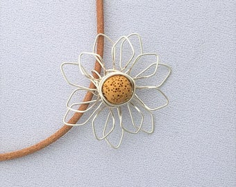 Diffuser Necklace Wire Flower Daisy