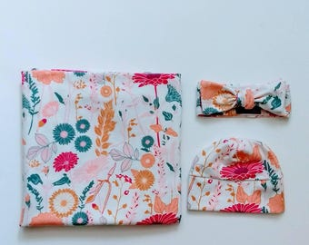 Baby girl floral receiving blanket set with hat, swaddle set, blanket for infant, choose your hat or bow, Pebblehut // Bachelorette Beauty