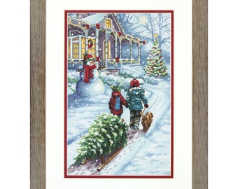 Dimensions Christmas Tradition Counted Cross Stitch Kit