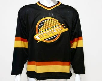 Vintage Vancouver Canucks Jersey Hockey Jersey NHL CCM Sports - Size Medium