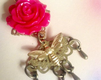 Earring individually red rose and Golden Bee