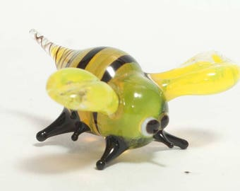Glass Bee Blown Collectible Figurine (code 039)