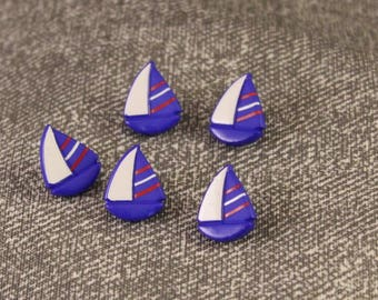 5 x 18mm Blue Plastic Sailing Boat Buttons