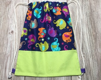 Backpack school kindergarten personnalisable.elephants multicolored and lime green.