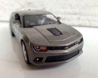 CHEVROLET CAMARO SS , Metal Toy Car Model. Lovely Collectible Item!