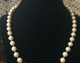 Vintage White Faux Pearl Beaded Design Necklace, Length 18''