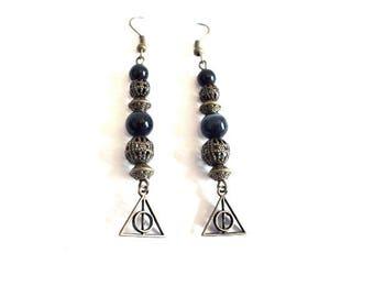Vintage earrings, black and bronze