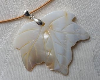 mother of Pearl on wire 3 pendant