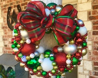 "Christmas Wreath 14"" in Traditional Christmas Colors"