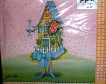 "Package of paper towels brand PPD ""Home sweet home"""