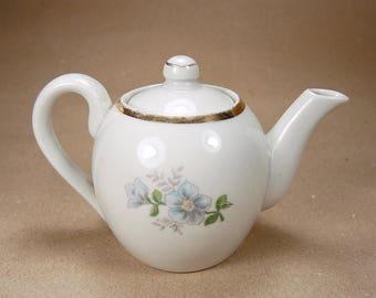 ON SALE Small vintage teapot