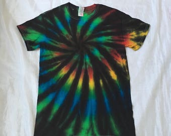 In stock!! Ready to ship!! Tie dye T shirt (small)!!