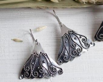 Flower earrings sterling silver Dangle earrings Silver earrings Silver flower dangles