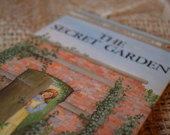 The Secret Garden. A Vintage Ladybird Book. First Edition