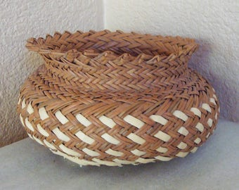 Vintage Hand Woven Indian Native American Basket Bowl Jar