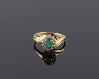 0.75 Ctw Emerald Diamond Oval Halo Bypass Ring Size 5.75 Gold