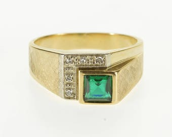 10k Squared Emerald* Diamond Half Halo Textured Ring Gold