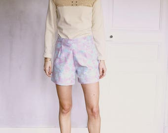 Floral printed canvas Pleated shorts