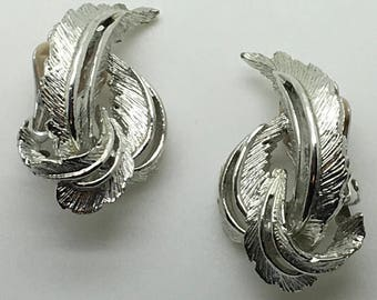 Sarah Coventry Clip On Earrings Leaves Silver Tone Brushed Textured Stocking Stuffer Gift For Grandma Mom Birthday Anniversary