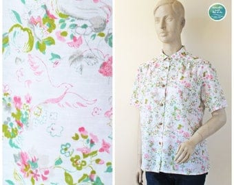 Peter Pan Collar Blouse, 70s Floral Pigeon Top, Pastel Colored Short Sleeve Blouse, Vintage Novelty Button Up Top, Medium