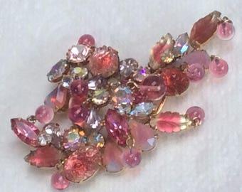 Spectacular Kramer brooch - gorgeous shades of pink