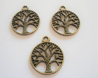 2 pendant filigree tree pattern