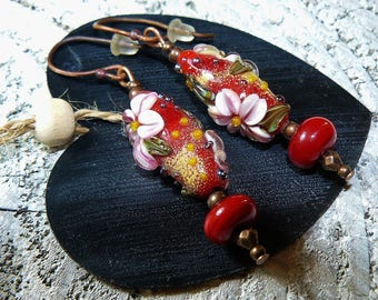 The flowers of Asta * Bohemian, romantic earrings, Lampwork, glass beads copper * gift idea was red