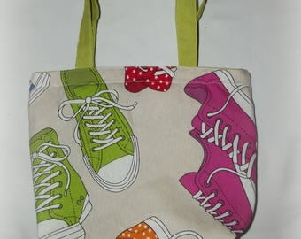 Tote design shoes in bulk