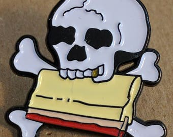 Gold Tooth Skull Squeegee Enamel Lapel Pin