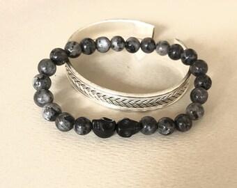 Bracelet beads, skulls, labradorite