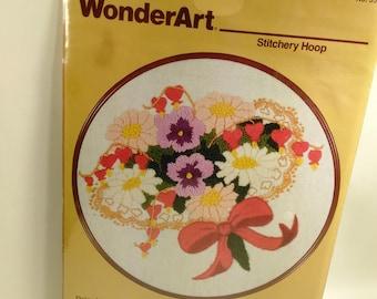 "WonderArt Stitchery Hoop/Embroidery/Daisy Nosegay #5917/7"" Finished Diameter/New (W)"