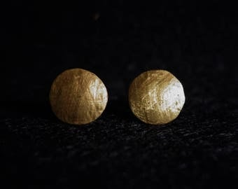 Ear plug brass round hammered geometric
