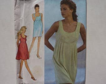 Sewing Pattern for Women's Dress. Style 2085. Size 6 - 16. 90s Fashion for Women