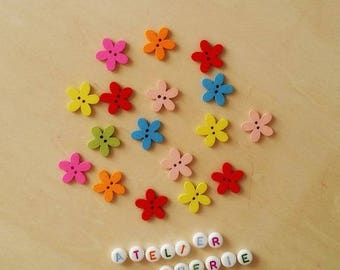 "Set of 10 wooden ""Flowers"" - multicolored buttons"