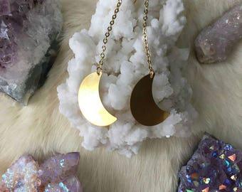 La Luna - Gold Crescent Moon Dangle Earrings