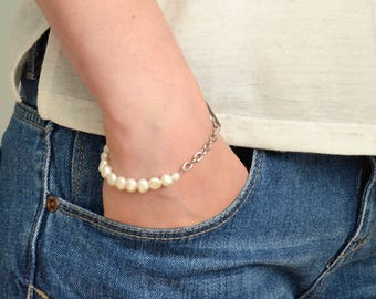 June Birthstone Bracelet. Freshwater Pearl Bracelet. White Pearl Bracelet. Boho Pearl Bracelet. June Birthday Gift. Gift Ideas For Her.