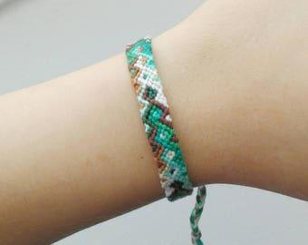 knotted friendship bracelet   ~ Ethno ~ Boho ~ embroidery floss ~ festival bracelet  ~ hippie bracelet  ~