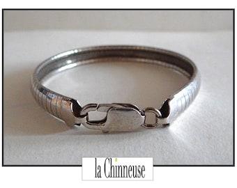 Vintage STERLING SILVER BRACELET / snake link Bracelet in silver.