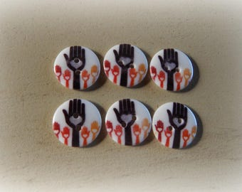6 buttons round plexi with heart hands colorful 20 mm