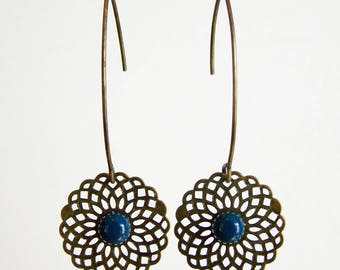 Engraving filigree bronze and teal cabochon earrings
