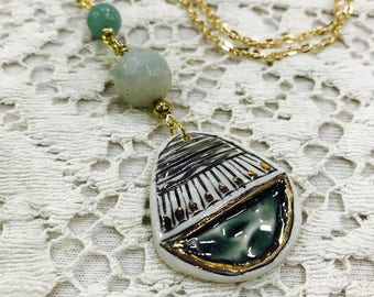 Green porcelain Jewel  necklace with 22k gold detailing.